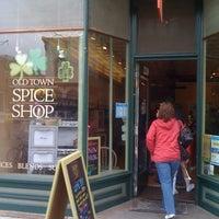 3/12/2011에 Myles B.님이 Old Town Spice Shop에서 찍은 사진