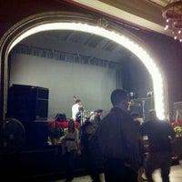 Foto tirada no(a) Century Ballroom por Ian S. em 12/15/2011