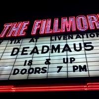 รูปภาพถ่ายที่ The Fillmore Detroit โดย Danny T. เมื่อ 10/22/2011