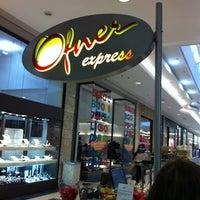 Снимок сделан в Ofner Express пользователем Andrigo C. 7/19/2011