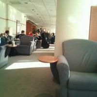 Foto diambil di Aer Lingus Lounge oleh Michael M. pada 11/11/2011