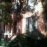 Das Foto wurde bei Sorrel Weed House - Haunted Ghost Tours in Savannah von Barry B. am 12/4/2011 aufgenommen