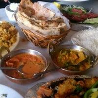 Das Foto wurde bei Chicago Curry House Indian Restaurant von Jose A A. am 9/1/2011 aufgenommen