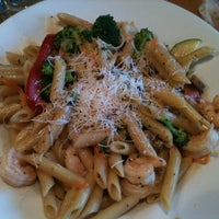 Foto tirada no(a) Shells Seafood por Moises R. em 4/6/2012