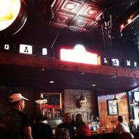 Foto tomada en Gas Lamp por Corey J. el 6/24/2012