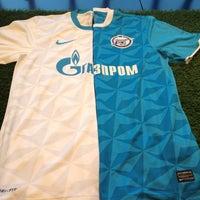 Das Foto wurde bei FootballStore.ru von Mike A. am 3/6/2012 aufgenommen