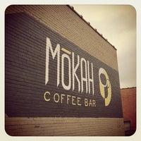 Das Foto wurde bei Mokah Coffee & Tea von Tony E. am 7/14/2014 aufgenommen
