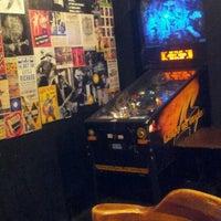 Foto tirada no(a) 12 Bar Club por Ellen O. em 7/11/2012