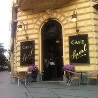 Photo prise au Café Sperl par Ivan M. le8/9/2012
