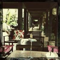 Foto diambil di Bankampu Tropical Café oleh Bumiko_ChaN pada 2/18/2012