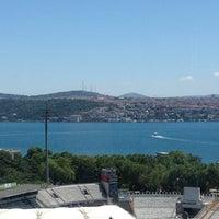 Foto diambil di The Ritz-Carlton Istanbul oleh Deniz U. pada 6/29/2012
