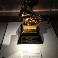 7/21/2012 tarihinde Lenee Y.ziyaretçi tarafından The GRAMMY Museum'de çekilen fotoğraf