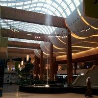 Foto tomada en 360° Mall por EL Matador .. el 3/14/2012