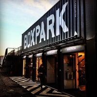 Das Foto wurde bei BOXPARK Shoreditch von Rory C. am 12/2/2011 aufgenommen