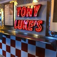 Foto scattata a Tony Luke's da Sobby il 11/13/2011