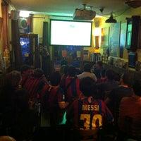 Foto tirada no(a) Taverna Barcelona por Eric K. em 5/25/2012