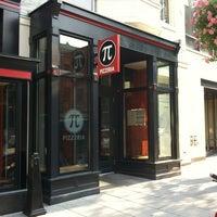 Das Foto wurde bei Pi Pizzeria von Kelly am 8/4/2012 aufgenommen