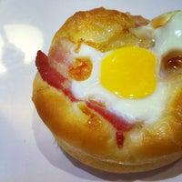 Снимок сделан в Pullman Bakery пользователем Daniel A. 10/23/2011