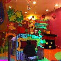 Foto tirada no(a) Play Space por Pat T. em 7/10/2012