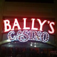 Das Foto wurde bei Bally's Casino & Hotel von Kim A. am 5/13/2012 aufgenommen