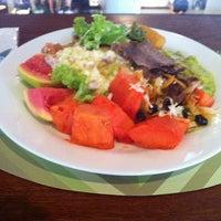 รูปภาพถ่ายที่ Oazi Restaurante โดย Joscelin S. เมื่อ 3/7/2012
