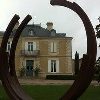 Foto tirada no(a) Chateau Haut Bailly por Frederique A. em 6/25/2012