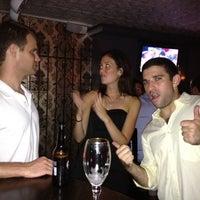 Das Foto wurde bei Gramercy Park Bar von Doug S. am 9/8/2012 aufgenommen