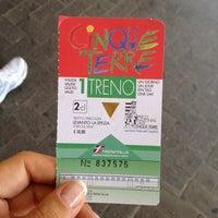 Das Foto wurde bei Stazione La Spezia Centrale von Tuana A. am 8/2/2012 aufgenommen