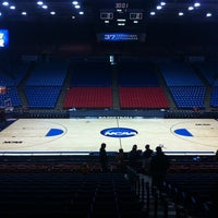 Foto tomada en UD Arena por Cristina M. el 3/15/2011