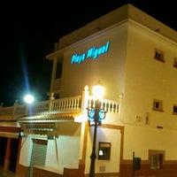 รูปภาพถ่ายที่ Playa Miguel Beach Club โดย Juan V. เมื่อ 1/18/2012