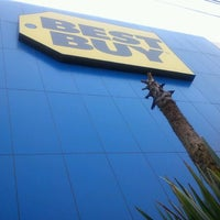 6/8/2012 tarihinde Atreyu S.ziyaretçi tarafından Best Buy'de çekilen fotoğraf