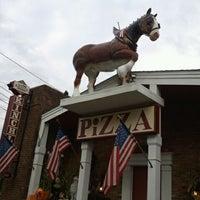 Foto diambil di Kinchley's Tavern Inc. oleh Raymond M. pada 9/30/2011