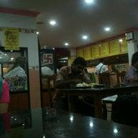 9/27/2011にThomas G.がPai Brothers Fast Foodで撮った写真