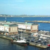 Foto scattata a Seaport Hotel & World Trade Center da Jenn W. il 7/23/2011