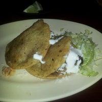 Foto tomada en Pablo's Old Town Mexican Restaurant por Anne C. el 11/18/2011