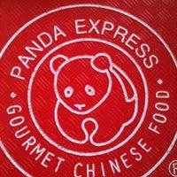 Foto tirada no(a) Panda Express por Josh C. em 11/12/2011