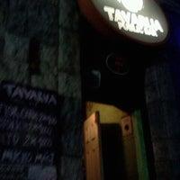 รูปภาพถ่ายที่ Tavarua Public Bar โดย Marcelo L. เมื่อ 6/29/2012