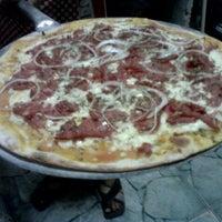 Das Foto wurde bei Pizzaria La Carmelita von José Telmo am 9/2/2011 aufgenommen