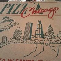 Photo prise au Pizz'a Chicago par Brian T. le9/13/2011