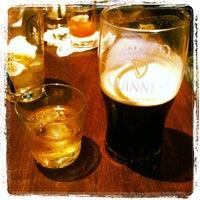 Foto scattata a Rock & Reilly's Irish Pub da Hattie D. il 11/20/2011