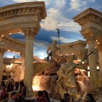 3/11/2012 tarihinde ryan a.ziyaretçi tarafından Festival Fountain - The Forum Shops at Caesars Palace'de çekilen fotoğraf