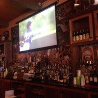 Foto tomada en Mickey Byrne's Irish Pub por Tim J. el 8/5/2012
