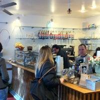 Das Foto wurde bei Caffe Centro von Tom P. am 12/23/2010 aufgenommen