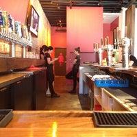รูปภาพถ่ายที่ Lucky's Tavern โดย Marcelo S. เมื่อ 8/26/2012