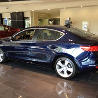 Photo prise au Chevy Chase Acura par Gregory G. le8/30/2012