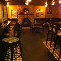 Foto diambil di Shannon's Irish Bar oleh Sasha N. pada 6/4/2012