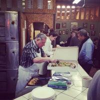 Das Foto wurde bei Di Fara Pizza von Rachel A. am 3/30/2012 aufgenommen