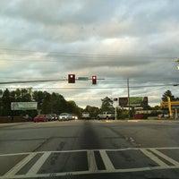 รูปภาพถ่ายที่ Macland & 92 โดย Sunshine S. เมื่อ 3/23/2012