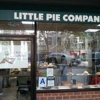 Снимок сделан в Little Pie Company пользователем Chris B. 7/14/2012