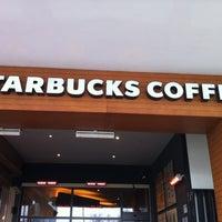 Das Foto wurde bei Starbucks von Pc_Cini 🤘🏻🤘🏻 am 3/11/2012 aufgenommen